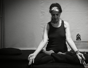 ashtanga-yoga-athens-workshop-Nancy-Gilgoff-2016-past